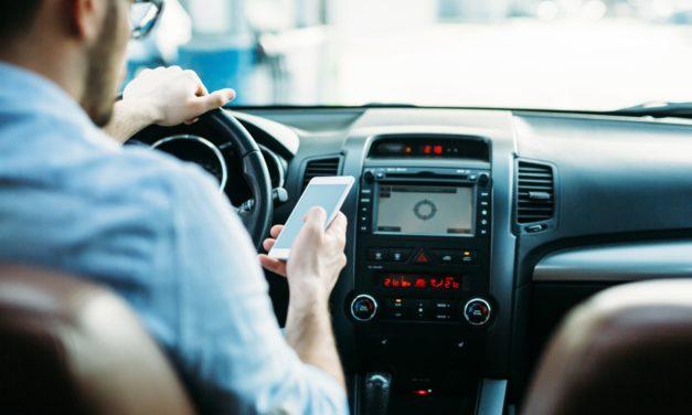 Blåljuspersonal omfattas inte av mobilförbudet